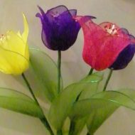 Videos wo sie aus Draht und Tüll Tulpen basteln